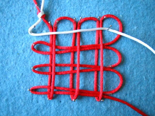 盘长结的编法图解- 三回盘长结;